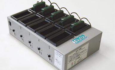 電池ユニット専用充電器 まんたんくん